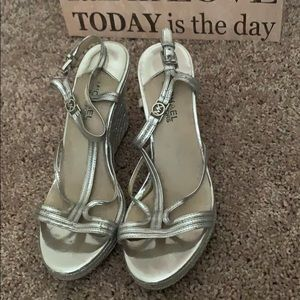 MICHAEL KORS STRAPPY SANDALS SILVER